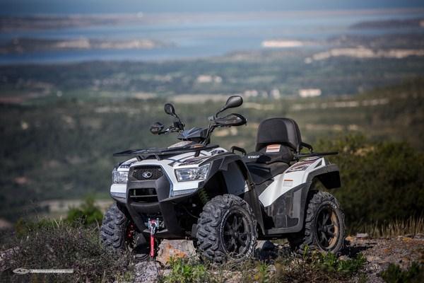 Kymco repositionne sa gamme de quads baroudeurs