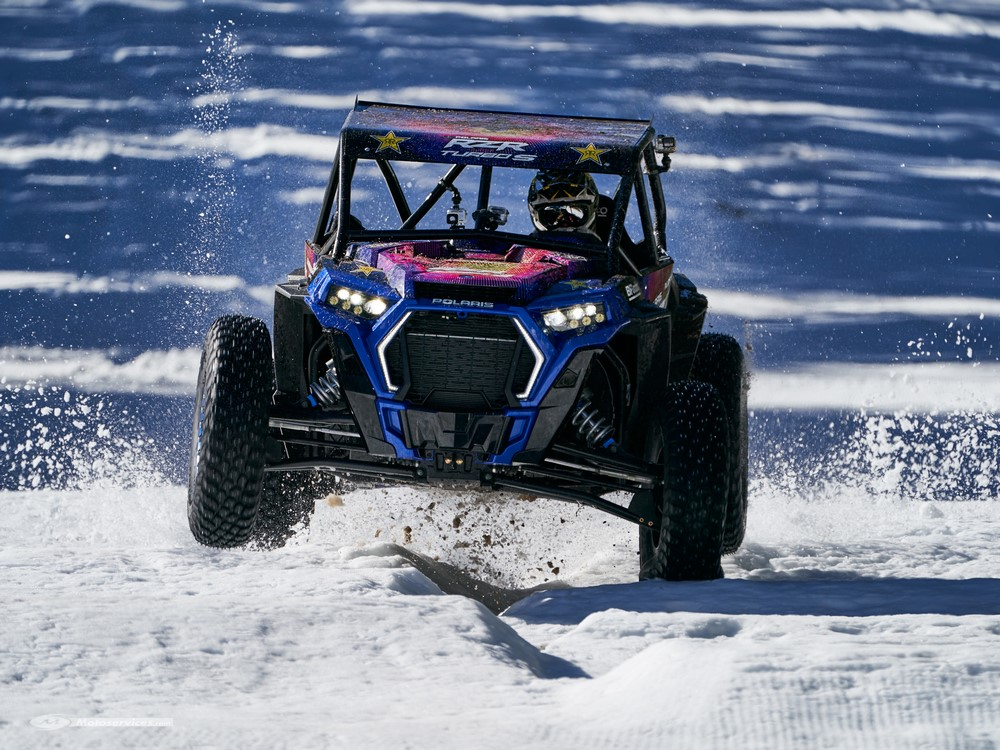 Snow Blind aux commandes d'un Polaris RZR XP Turbo S